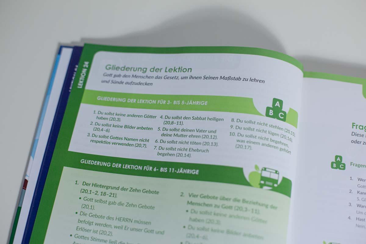 Mitarbeiterbuch-12