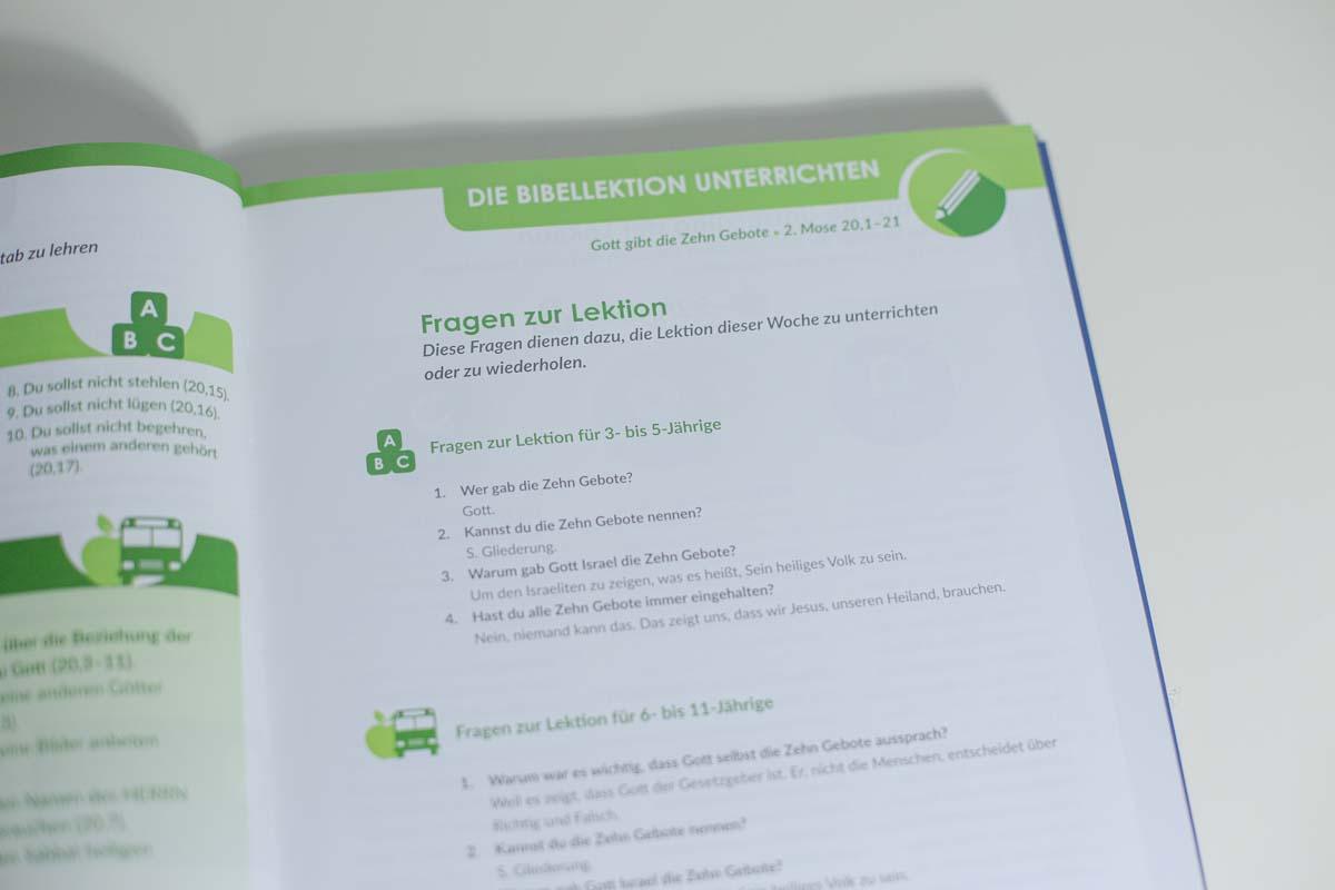 Mitarbeiterbuch-14